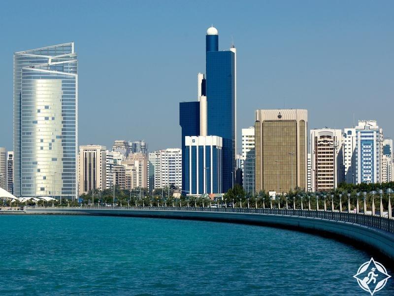 جوجل تبدأ تصوير طريق أبوظبي تمهيداً لإطلاق التجوال الافتراضي