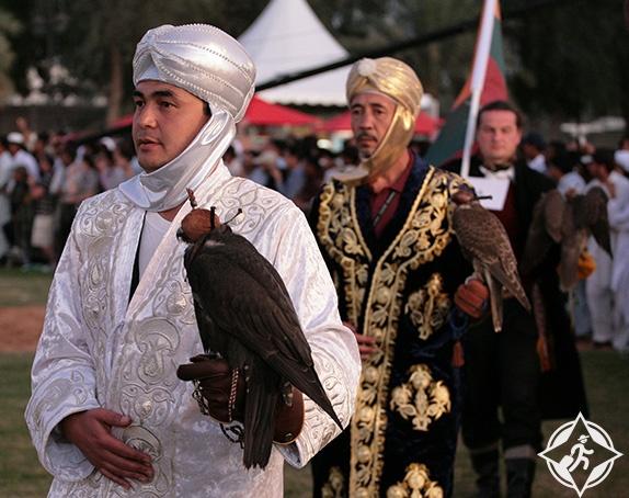 أكبر مهرجان للصيد بالصقور في العالم بأبوظبي أوزبكستان