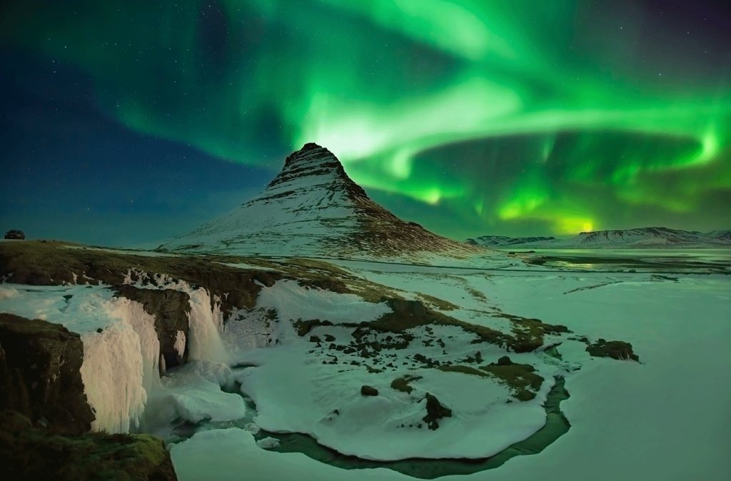 احتفالات ليلة رأس السنة الجديدة (1)  ريكافيك- أيسلندا