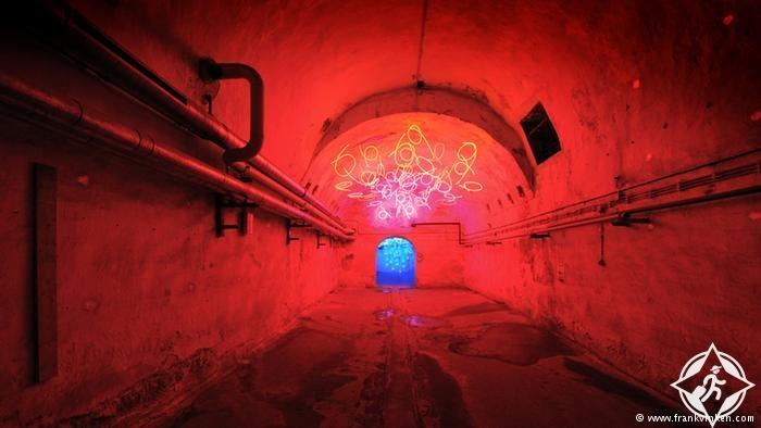 معرض للنور تحت الأرض 1