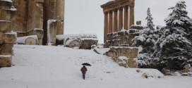 إنقاذ 100 سائح علقوا بالثلوج في البتراء الأردنية