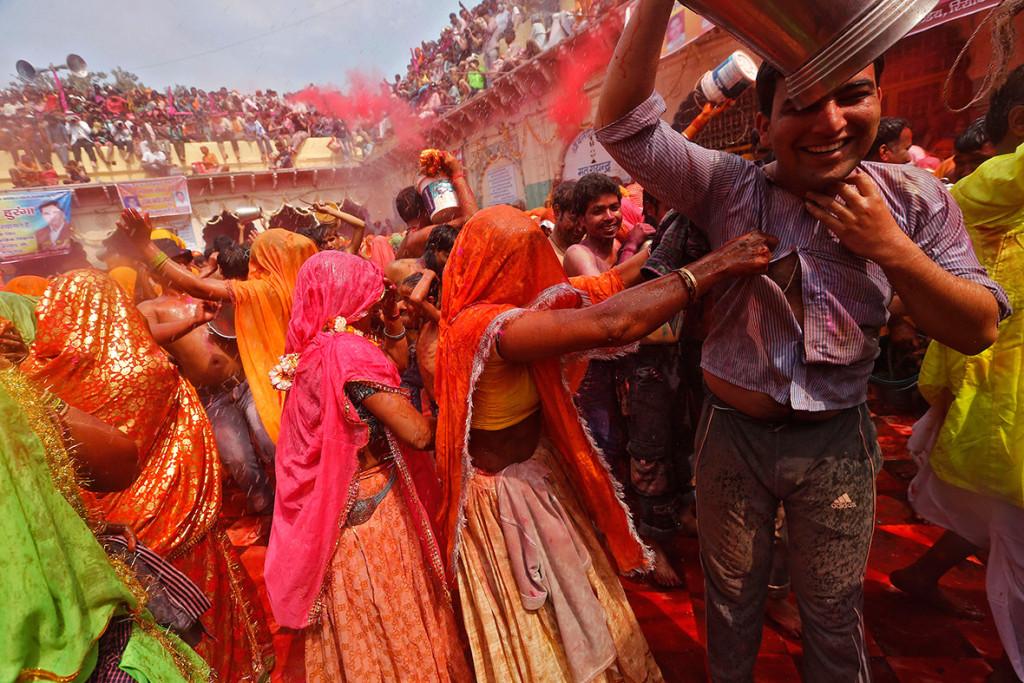 احتفالات هولي مهرجان الالوان في الهند