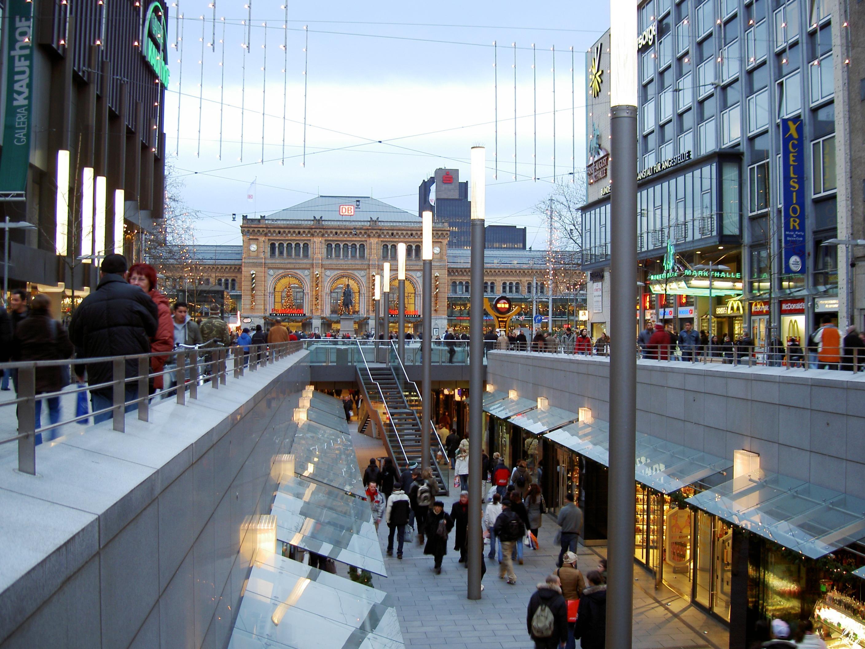 شارع باهنهوف Bahnhofstrasse زيوريخ سويسرا
