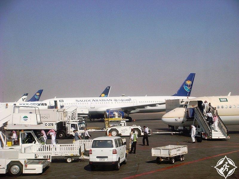 مطارات المملكة