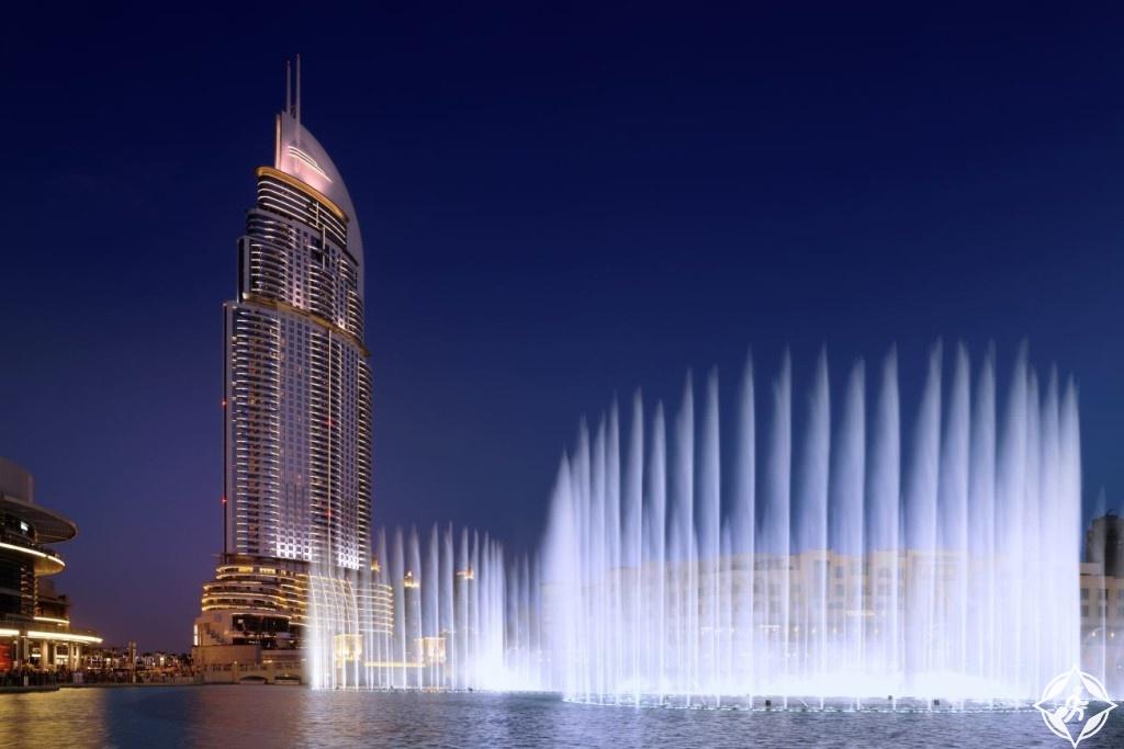 العنوان وسط دبي