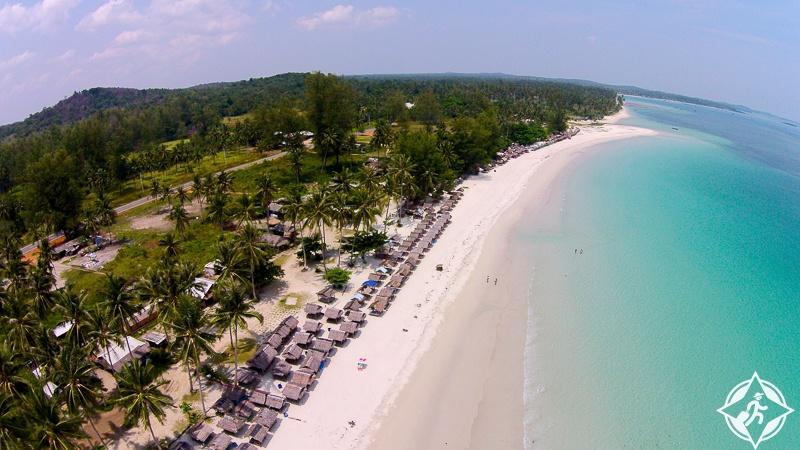 شاطئ تريكورا Trikora Beach جزيرة بينتان إندونيسيا
