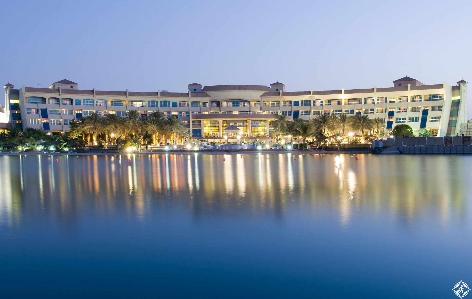فندق شاطئ الراحة في أبوظبي