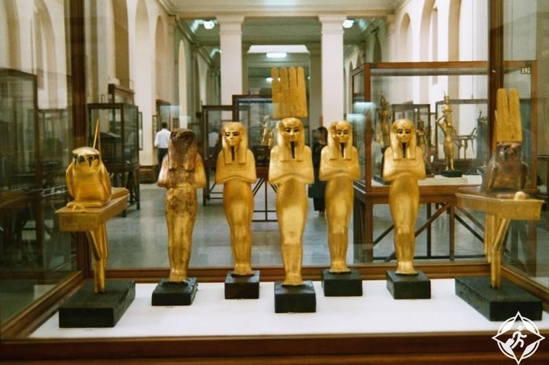 معروضات بالمتحف المصري