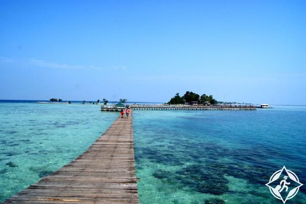 بولاو سريبو الجزر الألف بإندونيسيا