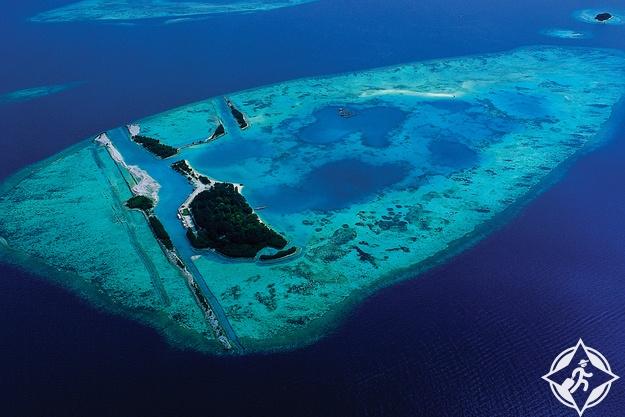بولاو سريبو الجزر الألف في إندونيسيا