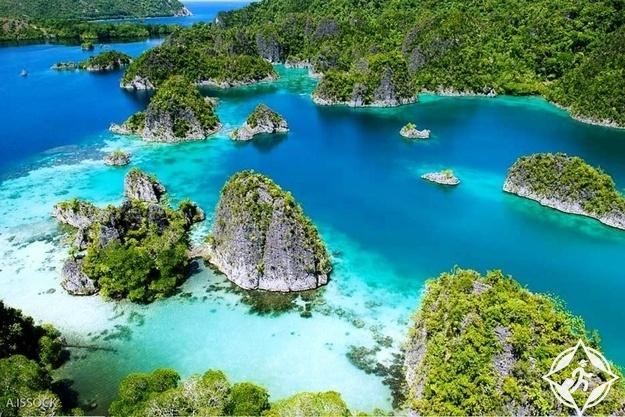 جزر الملوك الأربع أندونيسيا