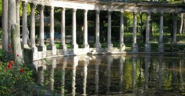 حديقة مونسو بمدينة باريس
