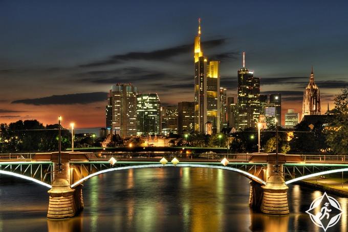 الجسر الحديدي في فرنكفورت