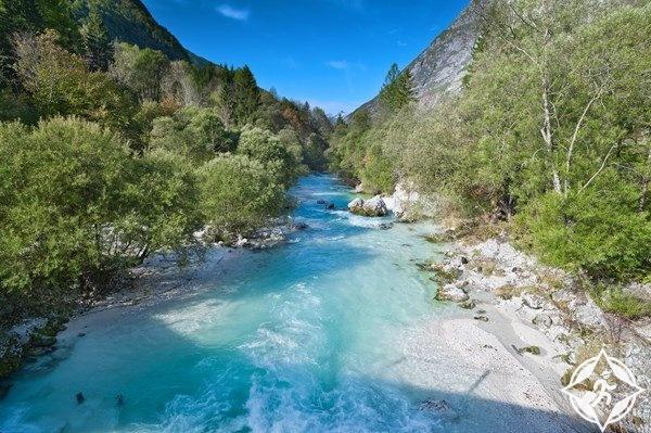 نهر سوكا في سلوفينيا