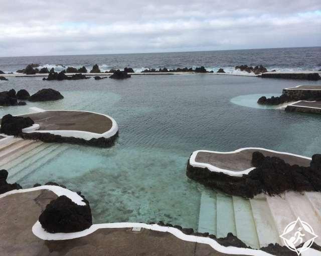 حمامات سباحة طبيعية