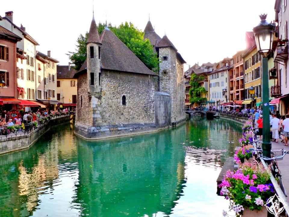 مدينة أنسي فرنسا بلد الجمال