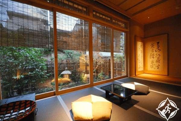 الفنادق في اليابان