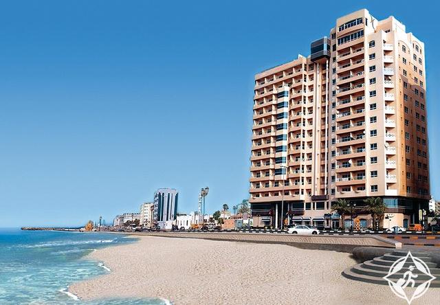 فندق رمادا بيتش عجمان