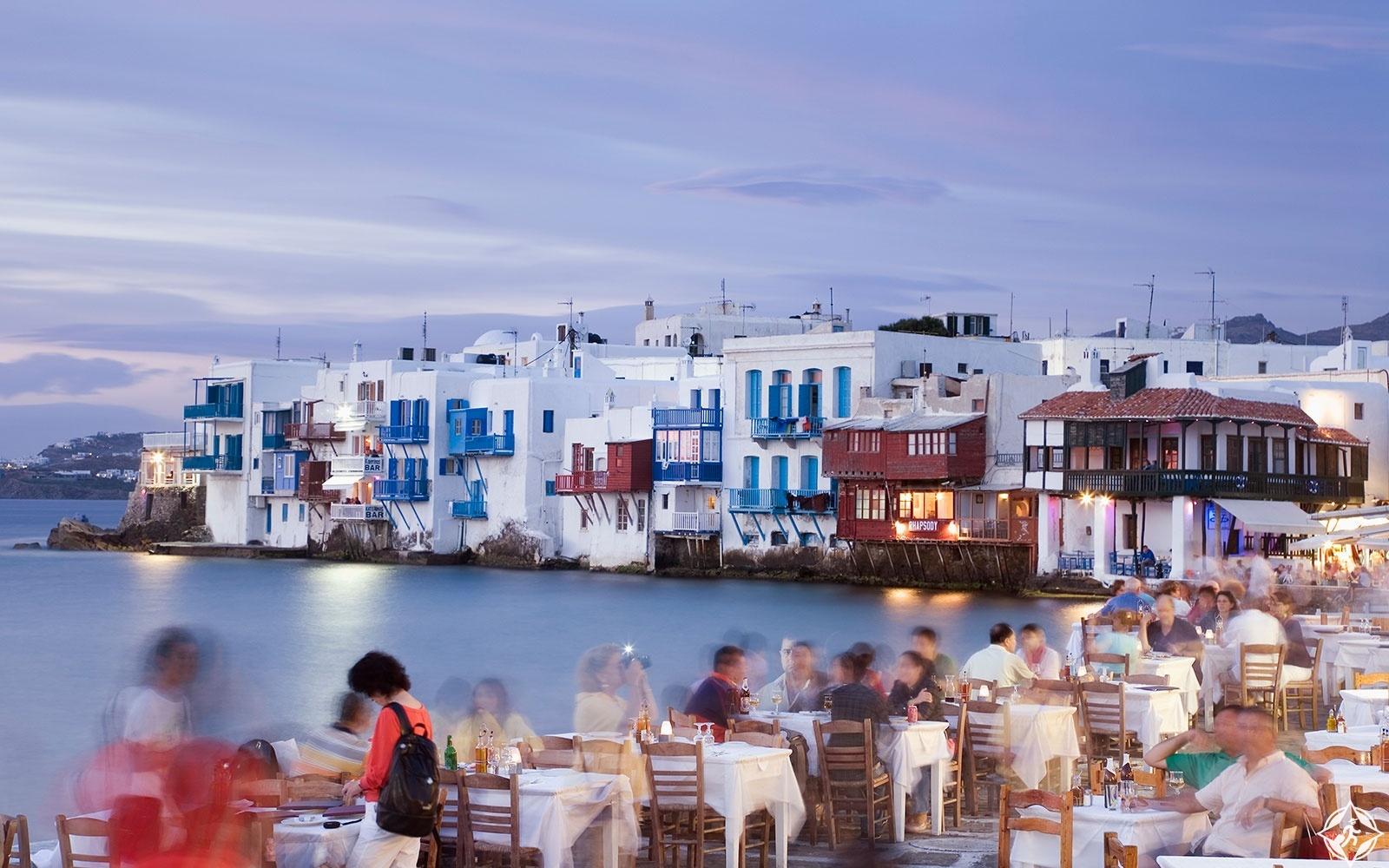 الحديث بالانجليزية في اليونان