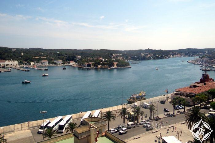 ميناء ماهون