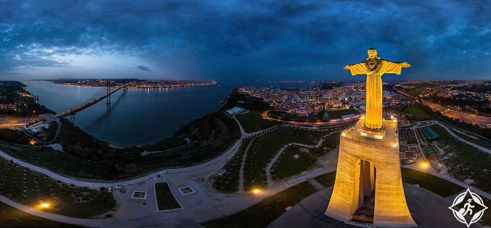 تمثال المسيح في لشبونة