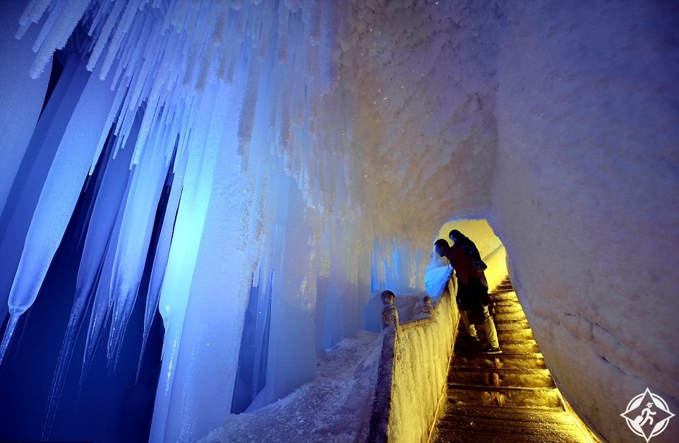 كهف الجليد5