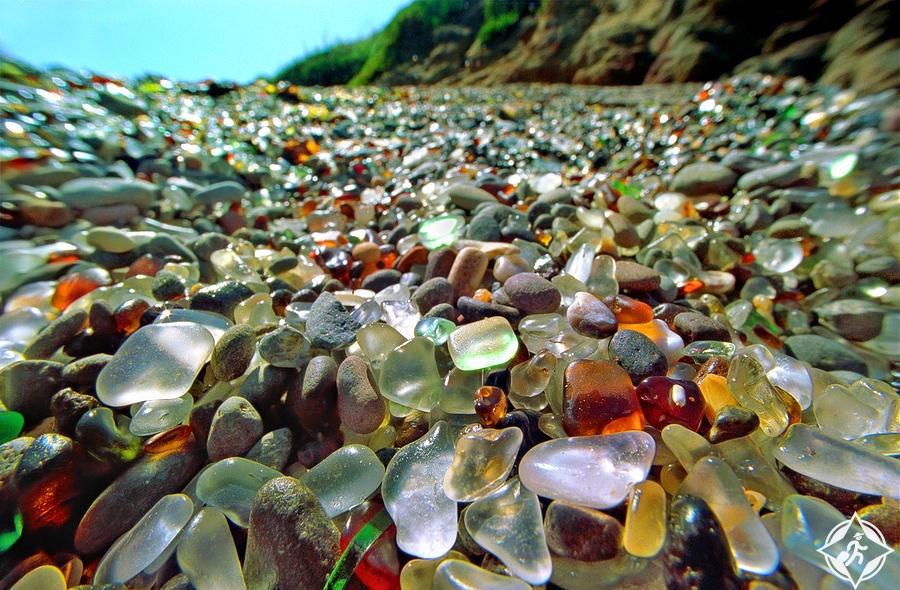 شاطىء كاليفورنيا الزجاجي