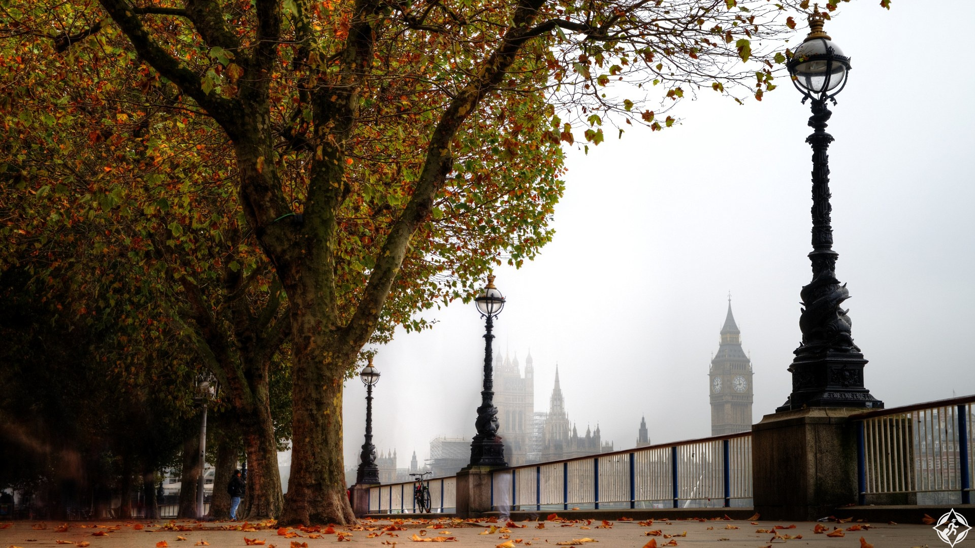 London Southbank in foggy autumn with Big Ben view