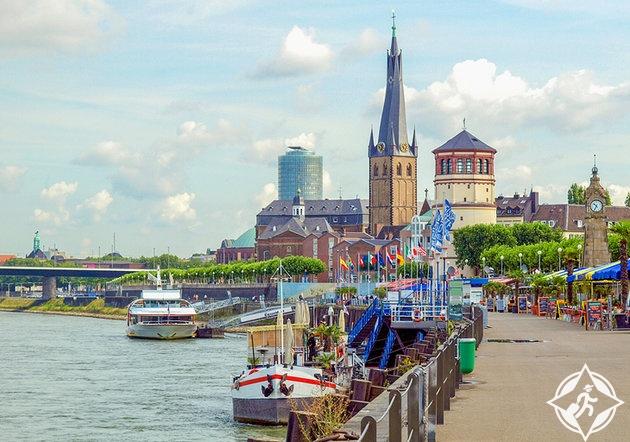سحر نهر الراين في مدينة دوسلدورف