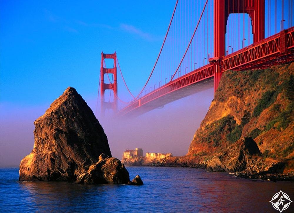أمريكا-سان فرانسيسكو-جسر البوابة الذهبية-أشهر معالم سان فرانسيسكو
