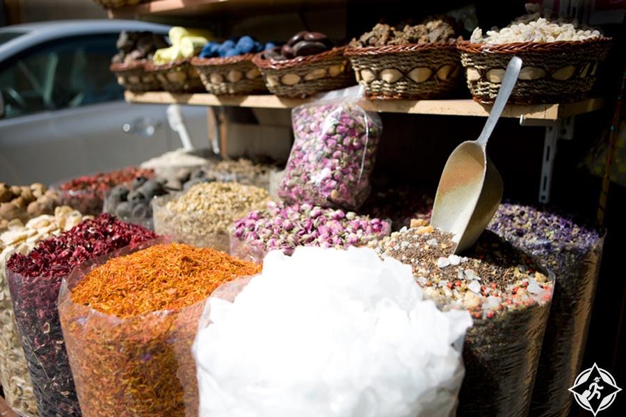الإمارات-أبوظبي-سوق الزعفرانة-الأسواق التقليدية في أبوظبي