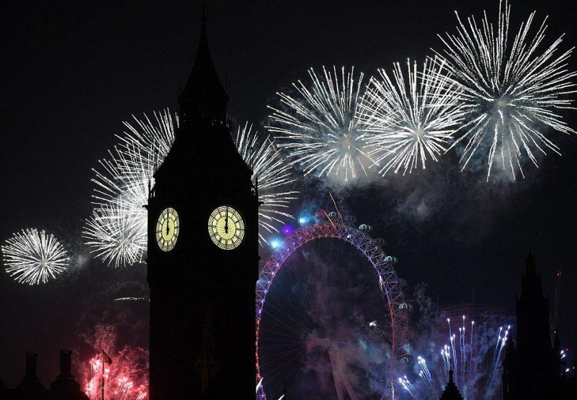 بريطانيا-لندن-عروض الألعاب النارية-العام الجديد 2017