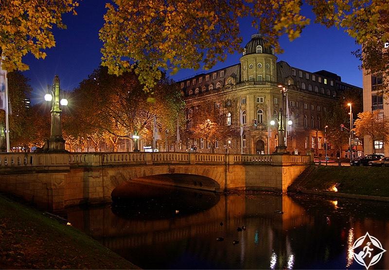 ألمانيا-دوسلدورف-شارع كونيجسالي-أشهر شارع تسوق في مدينة دوسلدورف 7