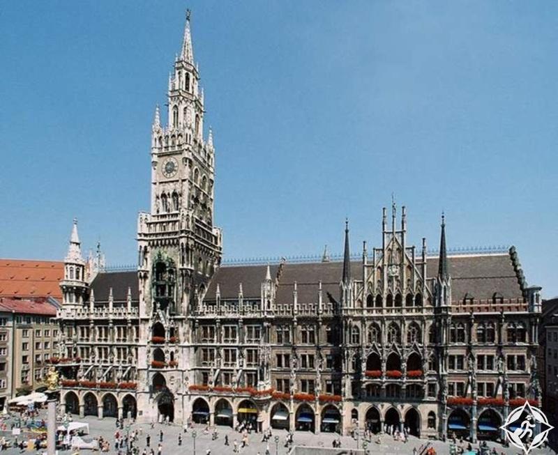 ألمانيا-ميونخ-مبنى دار البلدية الجديد-الأماكن السياحية في ميونخ