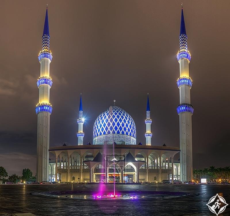 مسجد-السلطان-صلاح-الدين-عبد-العزيز-شاه.jpg