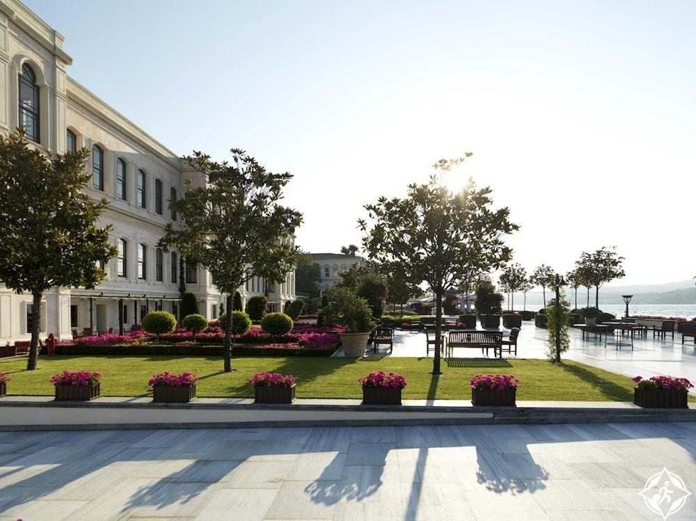 فندق فور سيزون اسطنبول على مضيق البوسفور