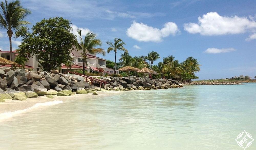 السياحة في أنتيغوا وبربودا- خليج ديكنسون