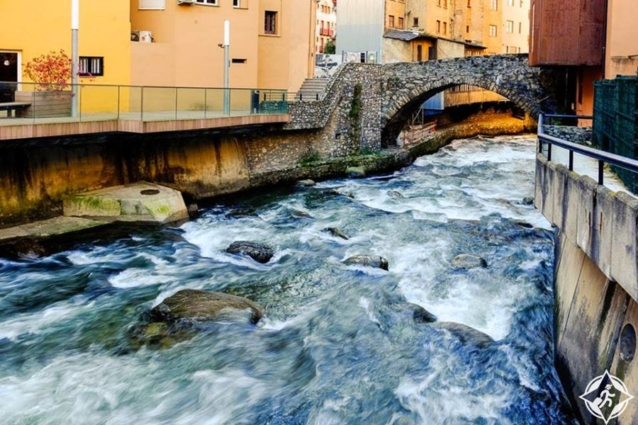 السياحة في أندورا - بلدة لي إسكالدس