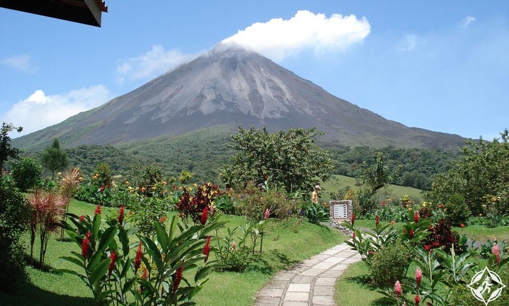السياحة في كوستاريكا - بركان أرينال