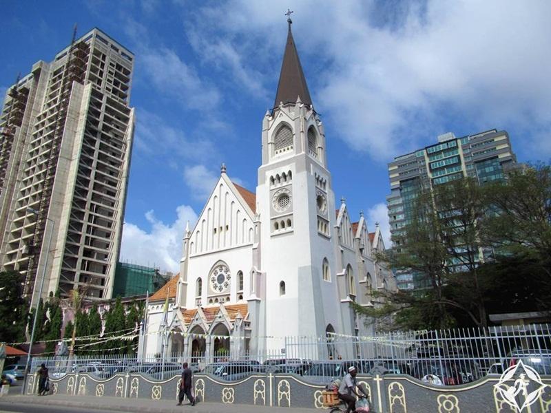 المعالم السياحة في دار السلام - كاتدرائية القديس يوسف
