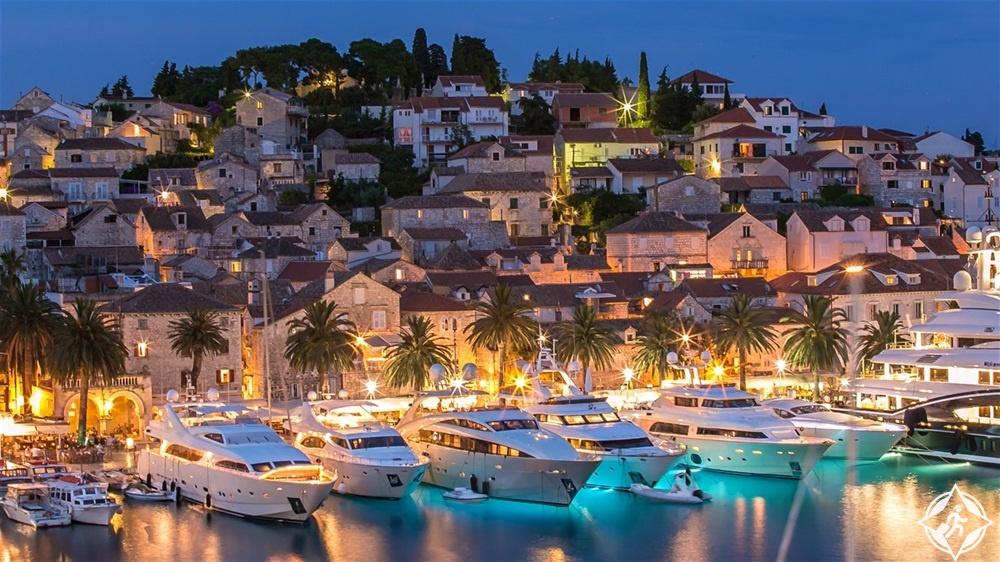 معالم الجذب في كرواتيا - بلدة هفار