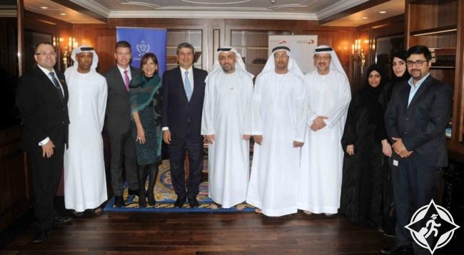 فندق بلازو فيرزاتشي يوقع اتفاقية تشغيل الليموزين مع تاكسي دبي
