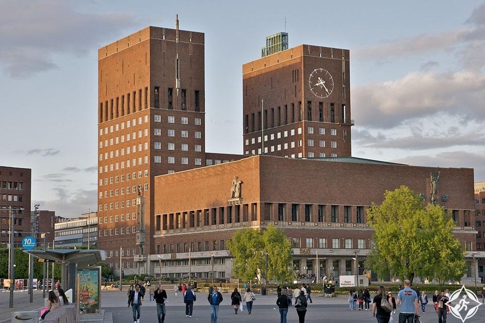 المعالم السياحية في أوسلو - قاعة المدينة