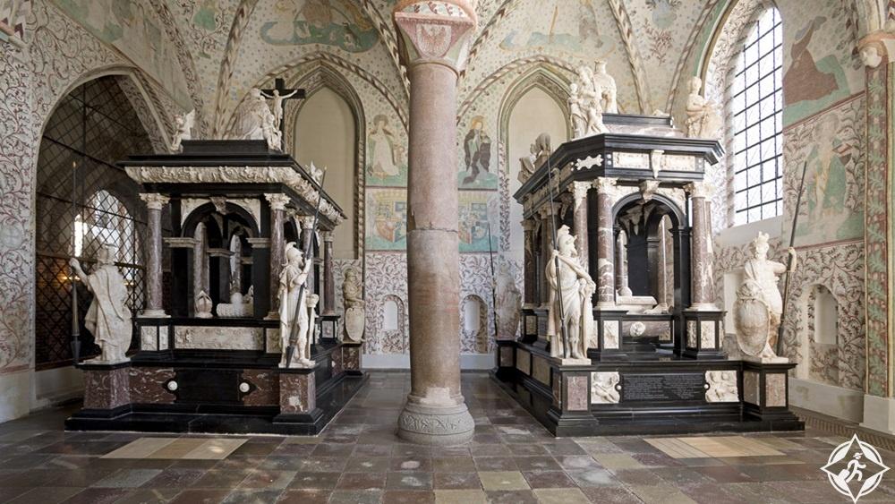 المعالم السياحية في روسكيلد - المقابر الملكية