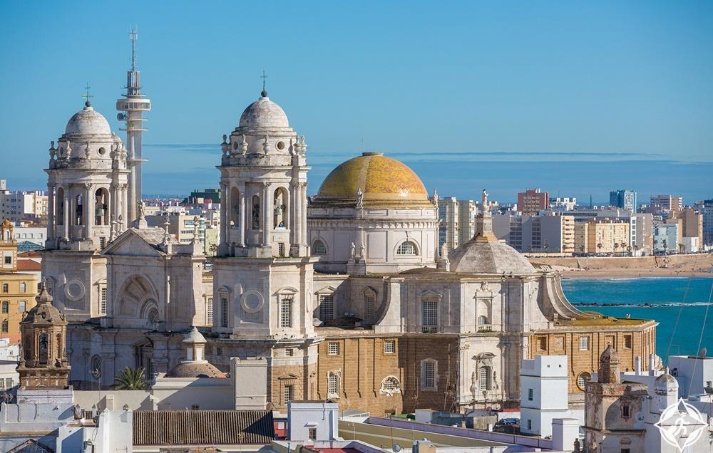 المعالم السياحية في قادس - الكاتدرائية الجديدة