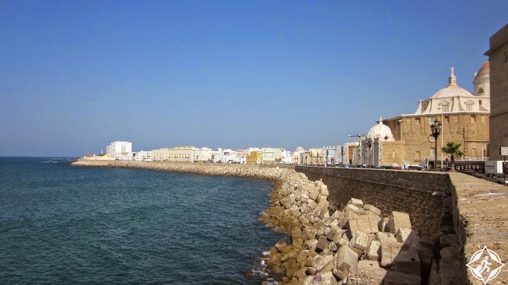 المعالم السياحية في قادس - الواجهة البحرية