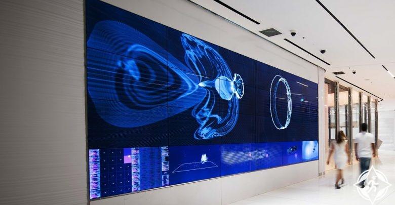 قمة برج خليفة دبي تقدم تجارب تقنية وفنية تفاعلية