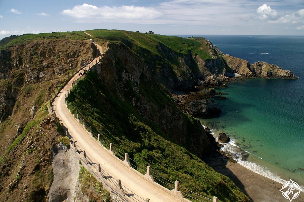 جزيرة سارك-أهم المعالم السياحية في جزر القناة