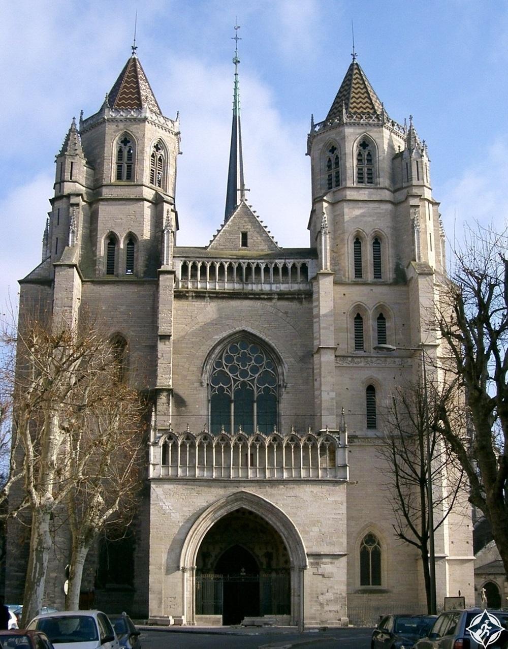 ديجون - كاتدرائية سانت بينين