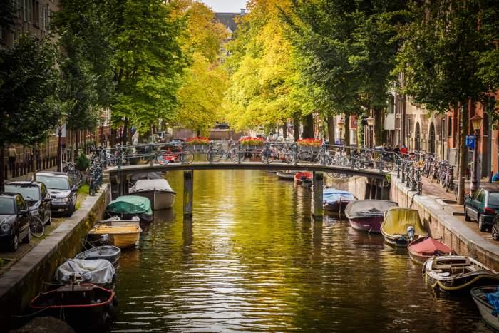 السفر إلى أمستردام